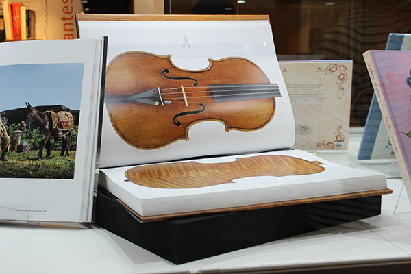 exhibited-mandaruixa-blog-The-Golden-Age-of-Violin-Making-in-Spain